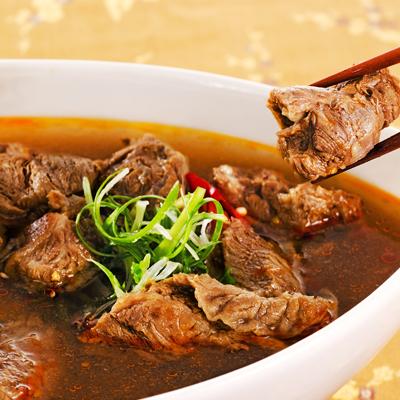 呷七碗招牌原汁紅燒牛肉麵(670g(麵*1+湯包*1)